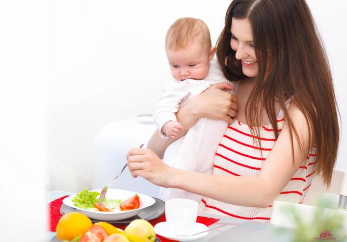 Как питаться маме