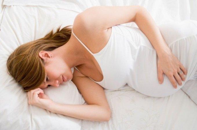 Первые симптомы начала родов